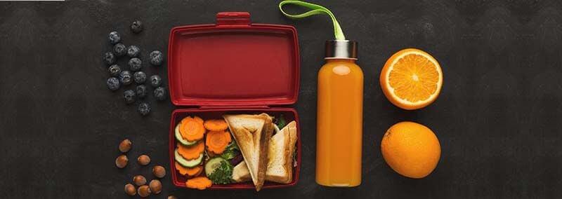 sanduíche com salada de cenoura
